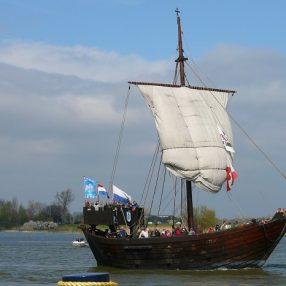 De Kamper Kogge op de IJssel
